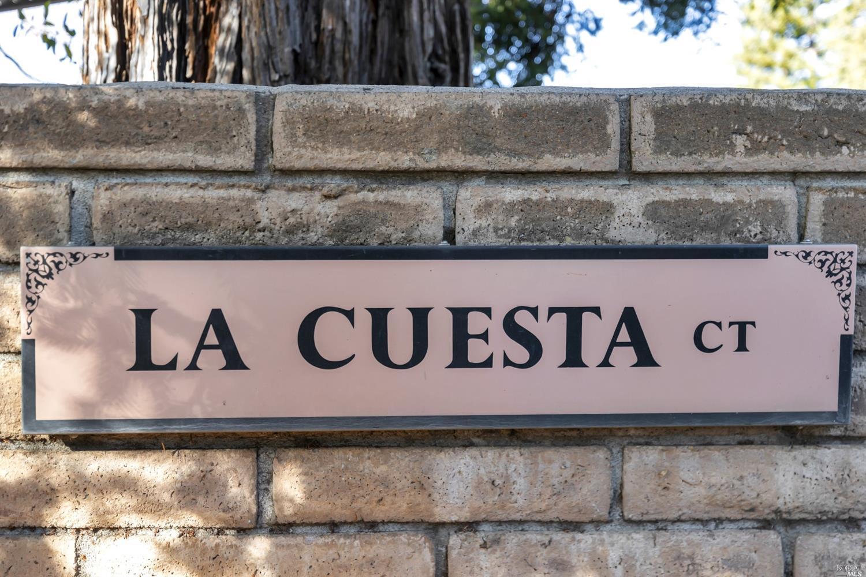 7 La Cuesta Ct