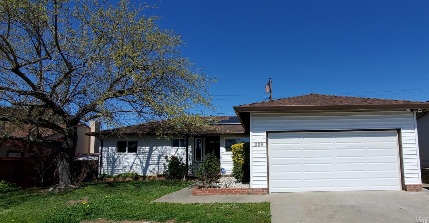 A moving ready 3 bedrooms and 2 full bathrooms located in East Vallejo with easy access to HWYS 80,