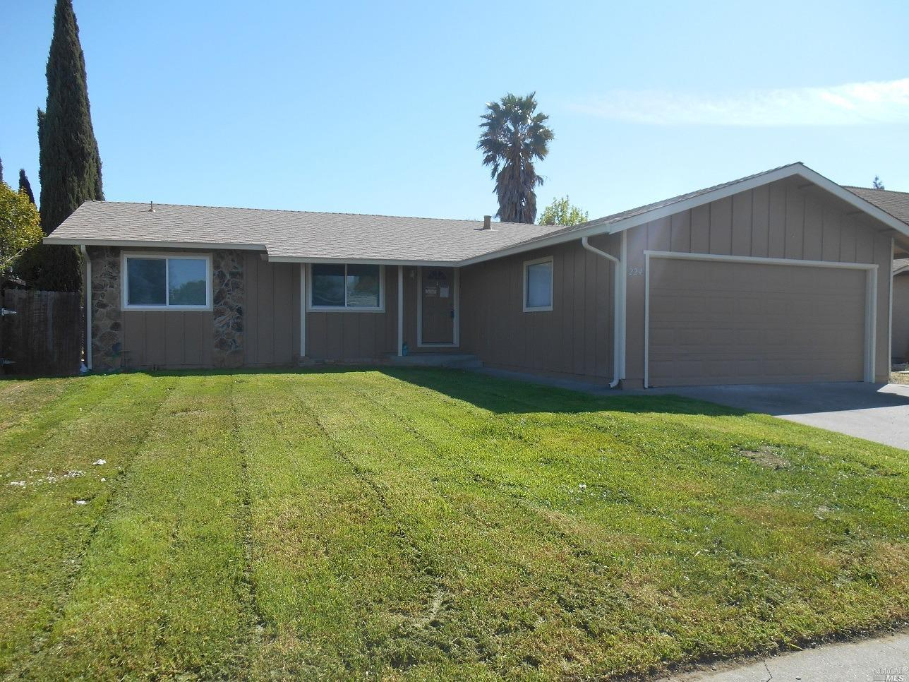 Nicely updated home with new kitchen. New stainless steel appliances and slab granite counters. New