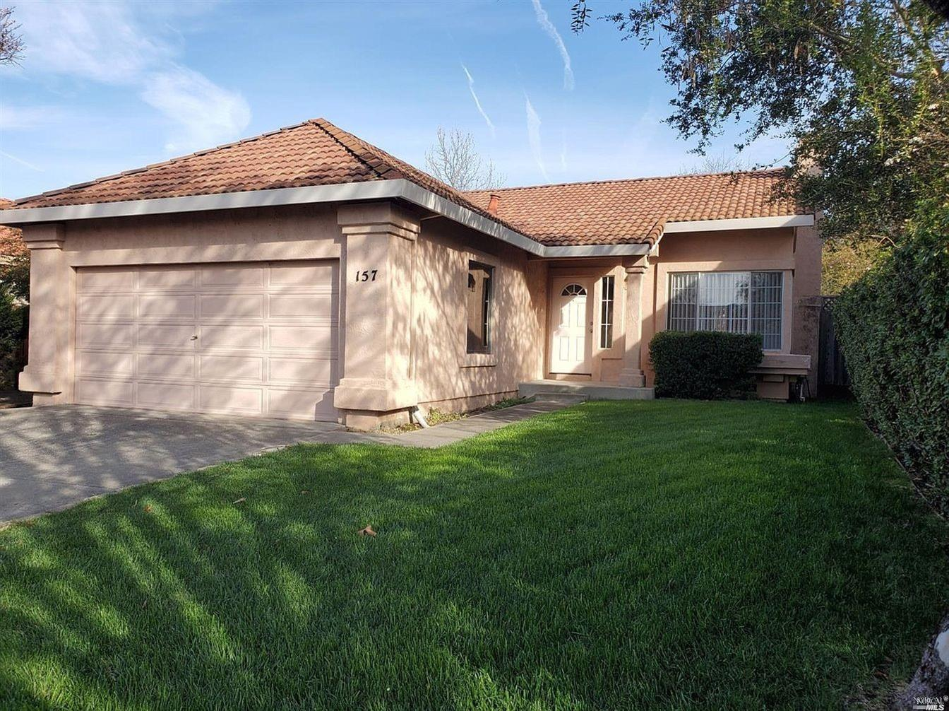 Quiet Eastside Windsor. Much sought after subdivision. close to parks school and shopping.