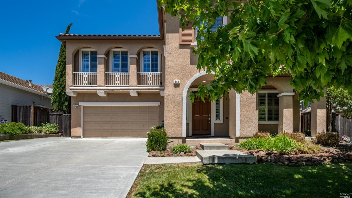 Beautiful home in the heart of Green Valley. Pride of ownership. This home is over 3000 sq ft and in