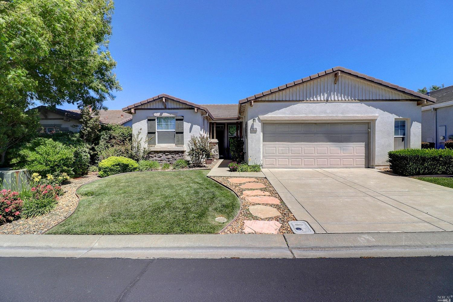 This delightful Atherton Model offers soothing pastel interiors, lovely upgrades, an expanded garage