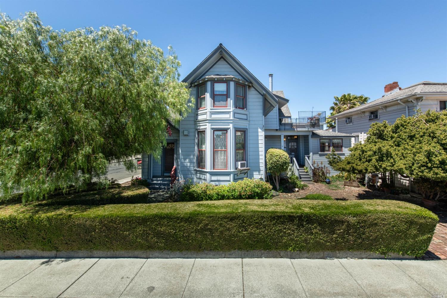 Have you been on the hunt for a Victorian on the Suisun waterfront? This charming Victorian has spac