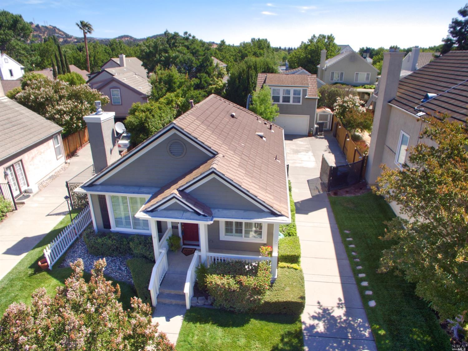Situated in Green Valley's Sought out Legacy Collection is this 4BD, 3BA Single level with a detache