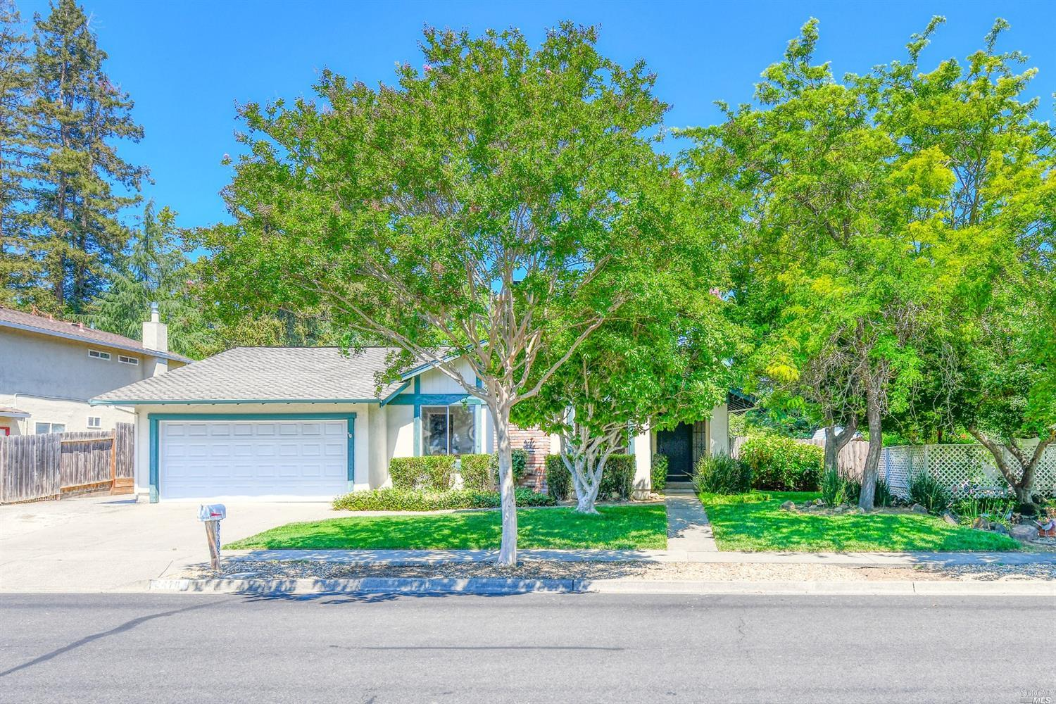 Wonderful neighborhood of North West Napa offering this 4 bedroom and 2 bath single level home on a