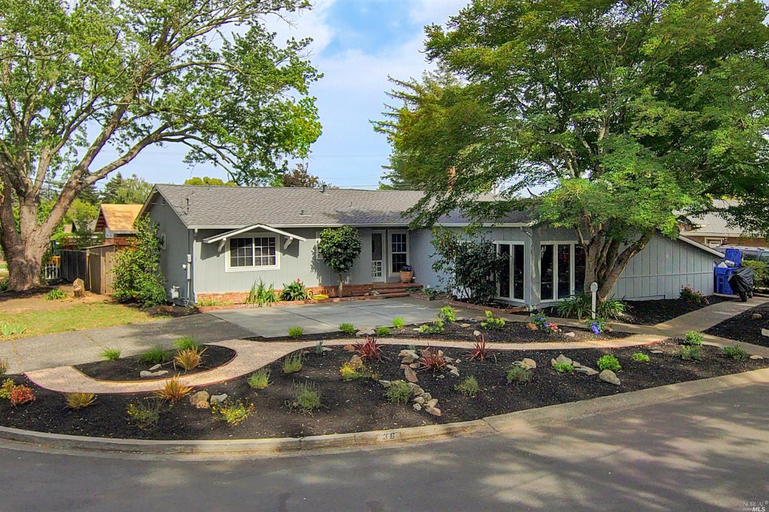 Welcome to 36 Harvard Ln, located in the desirable Browns Valley neighborhood in Napa.  This home fe