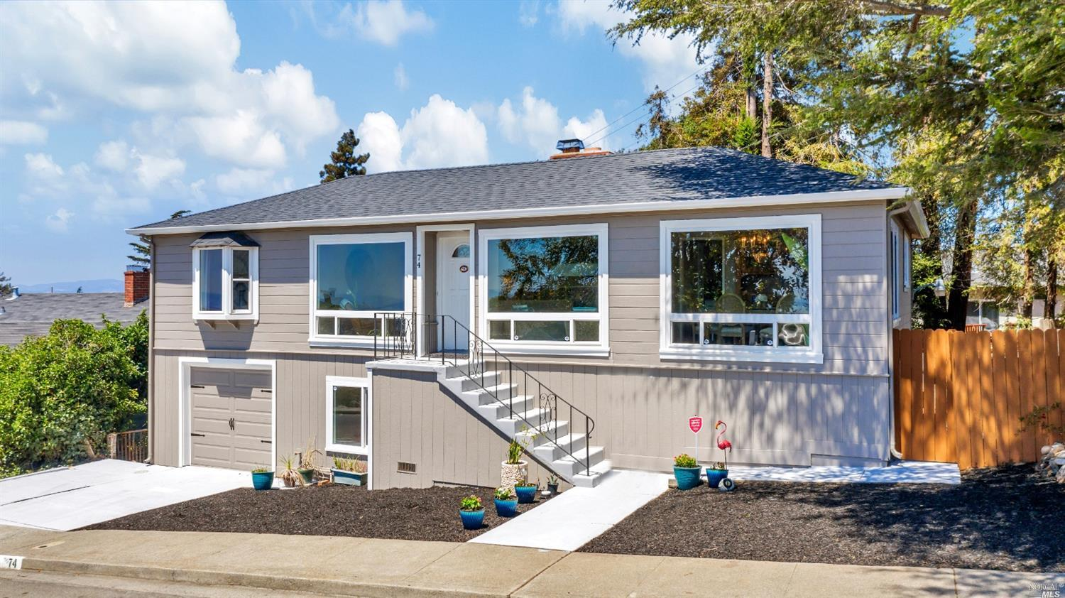 Stunning Vallejo Heights move-in ready home overlooking the Napa River & Mount Tamalpais! Golden Gat
