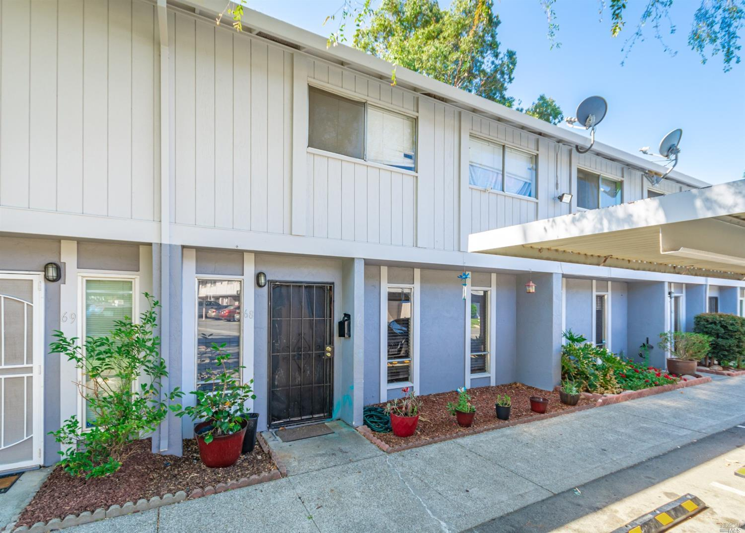 Investor special! Current tenant pays rent on time in this spacious 3 bedroom, 1.5 bath condominium
