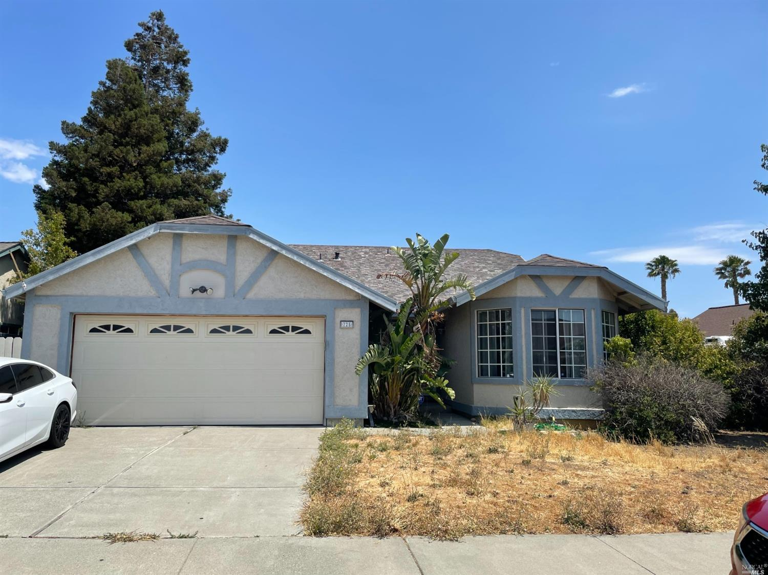 Welcome home to Montebello Vista in Suisun City.  This one level home has 3 bedrooms, 2 bathrooms built in 1990 with over 1400SF.  Desirable floor plan. Living room has fireplace with combination dining room, spacious eat-in kitchen, two closets in master bedroom, 2-car attached garage, fenced yard.