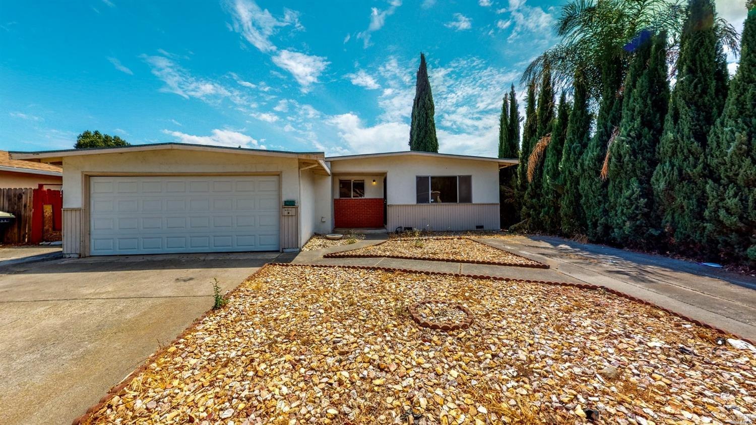 Affordable 3 bedroom 2 full baths starter home in Fairfield close to freeways and shopping centers.