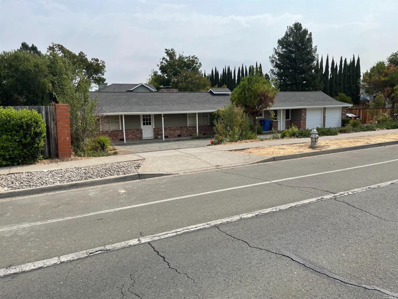 加州纳帕干溪路2080号