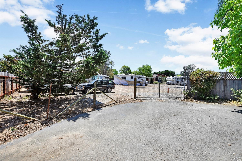 Listing 21915283 : 3820  Bodega Avenue, Petaluma, CA, 94952  (photo 11)