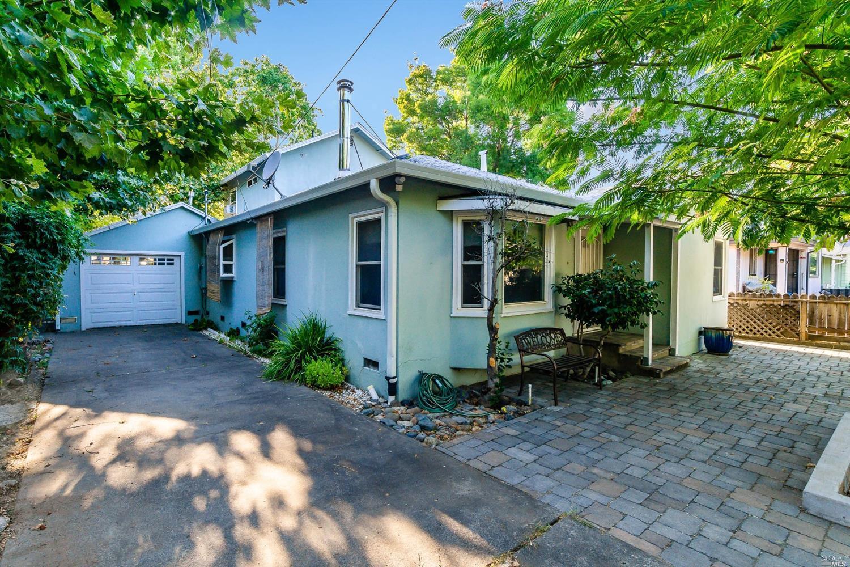 5 Lorraine Street, Ukiah, CA 95482