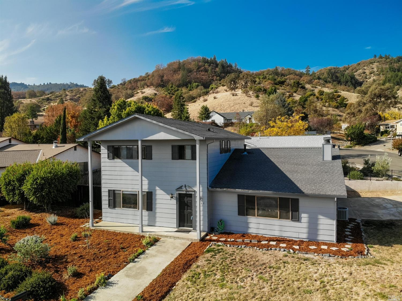 1390 Burgundy Drive, Ukiah, CA 95482