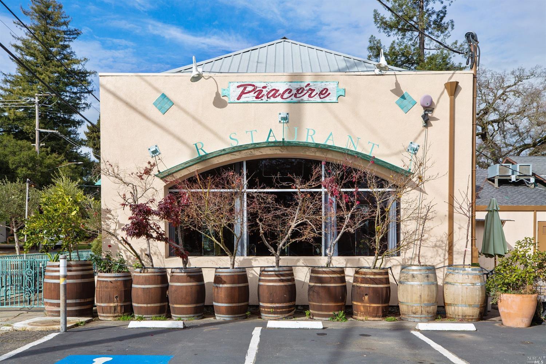Listing 22001396 : 504  N Cloverdale Boulevard, Cloverdale, CA, 95425  (photo 4)