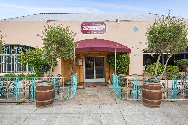 Listing 22001396 : 504  N Cloverdale Boulevard, Cloverdale, CA, 95425  (photo 3)
