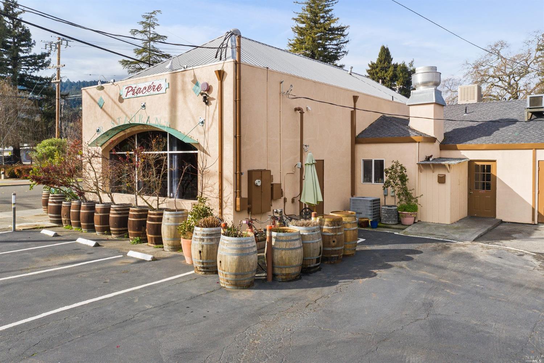 Listing 22001396 : 504  N Cloverdale Boulevard, Cloverdale, CA, 95425  (photo 14)