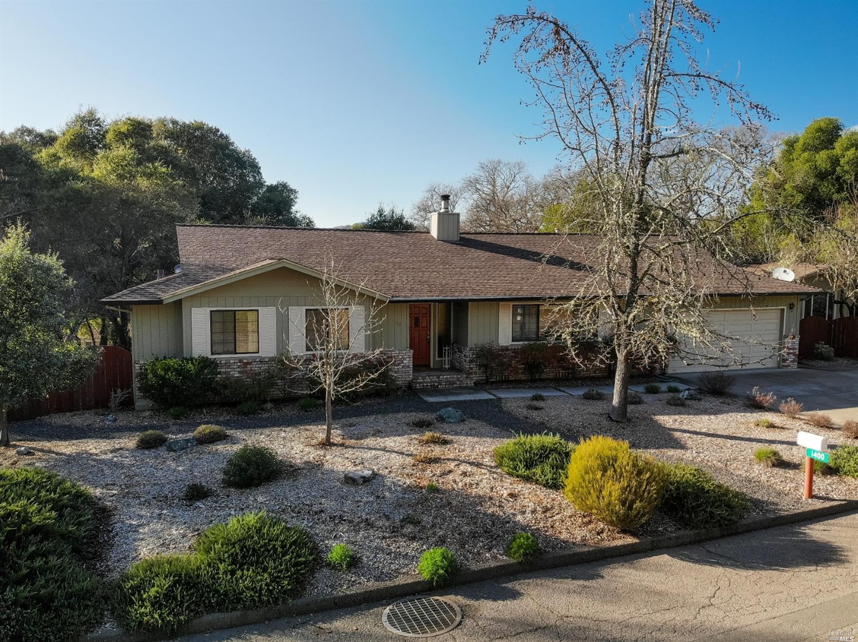 1400 Meadow Drive, Ukiah, CA 95482