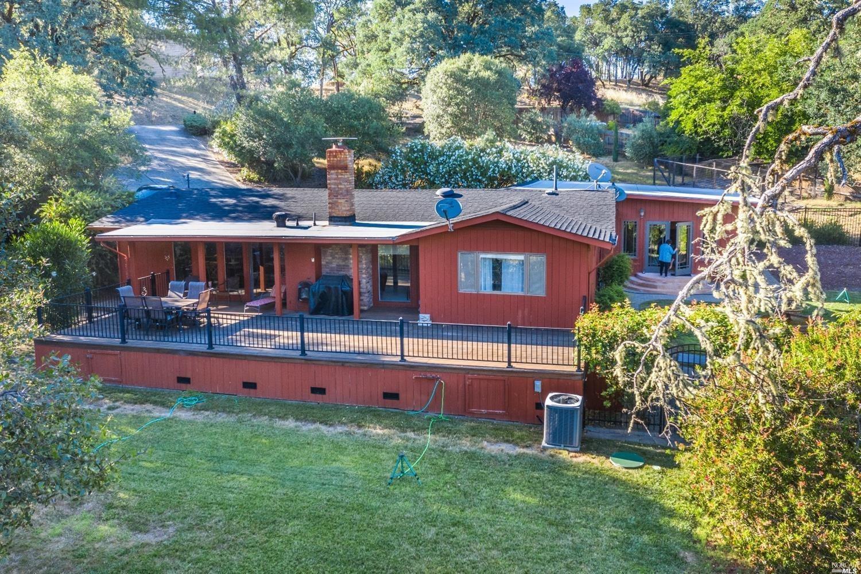 1861 Deerwood Drive, Ukiah, CA 95482