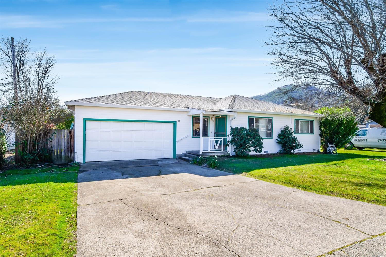 43 Oak Knoll Road, Ukiah, CA 95482