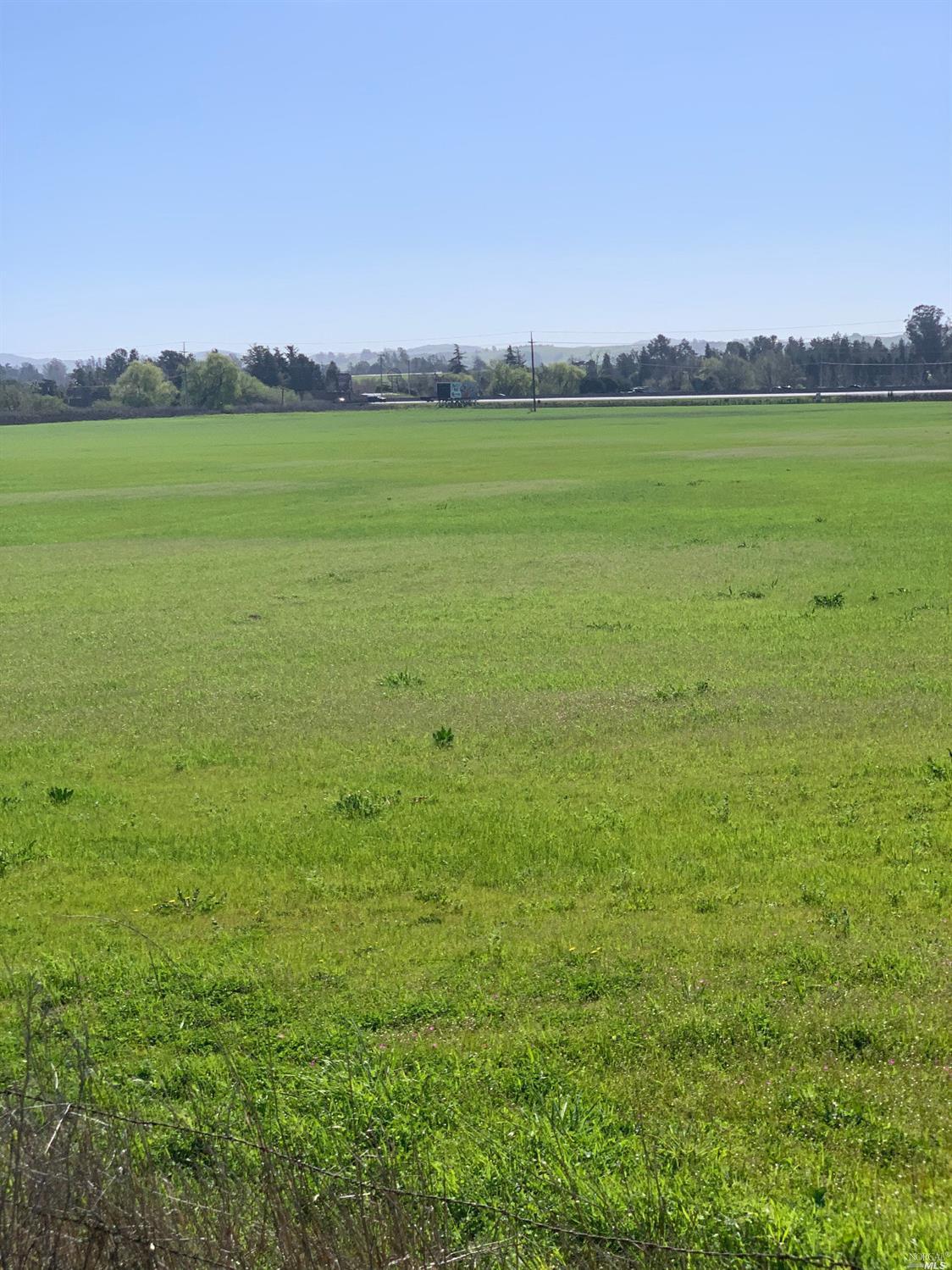 Listing 22004477 : 520  orchard Lane, Penngrove, CA, 94951  (photo 2)