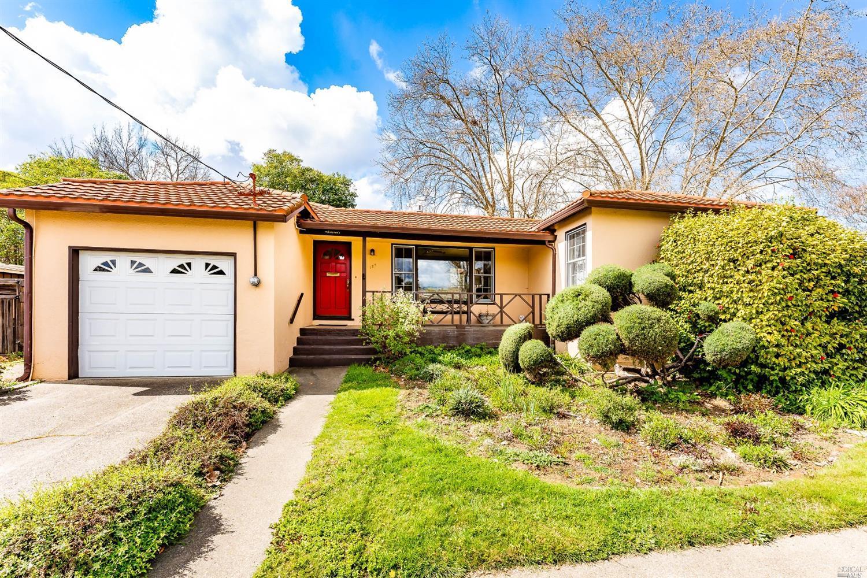 125 Barbara Street, Ukiah, CA 95482