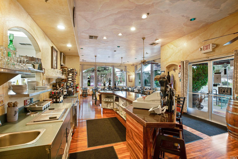 Listing 22007059 : 504  N Cloverdale Boulevard, Cloverdale, CA, 95425  (photo 17)