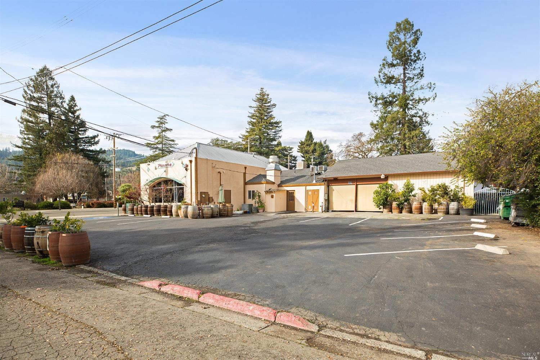 Listing 22007059 : 504  N Cloverdale Boulevard, Cloverdale, CA, 95425  (photo 6)