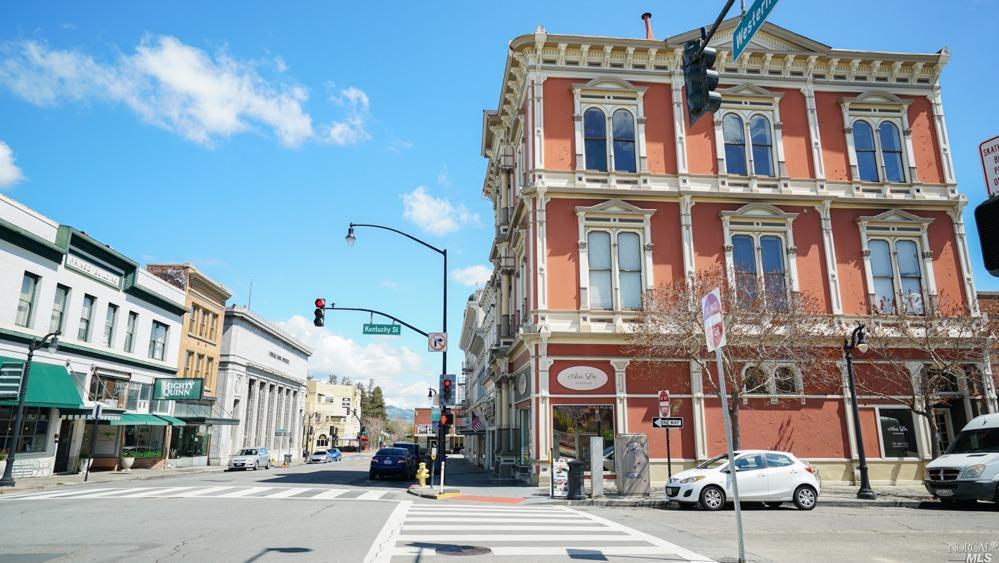 Listing 22010192 : 25  Western Avenue, Petaluma, CA, 94952  (photo 4)