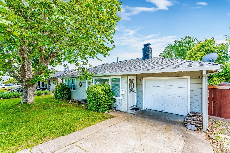 313 Hillcrest Avenue, Ukiah, CA 95482