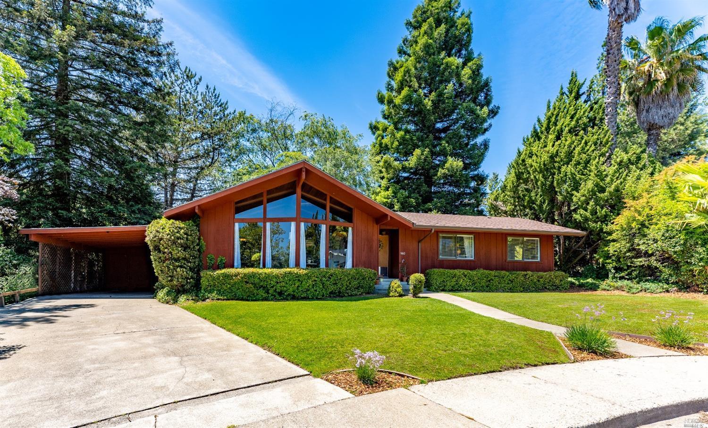 960 Saint Francis Way, Ukiah, CA 95482