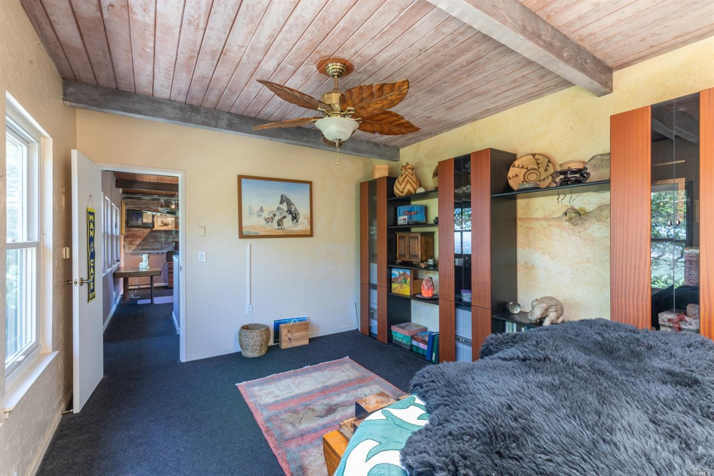 Listing 22011952 : 19170  Mesquite Court, Sonoma, CA, 95476  (photo 29)