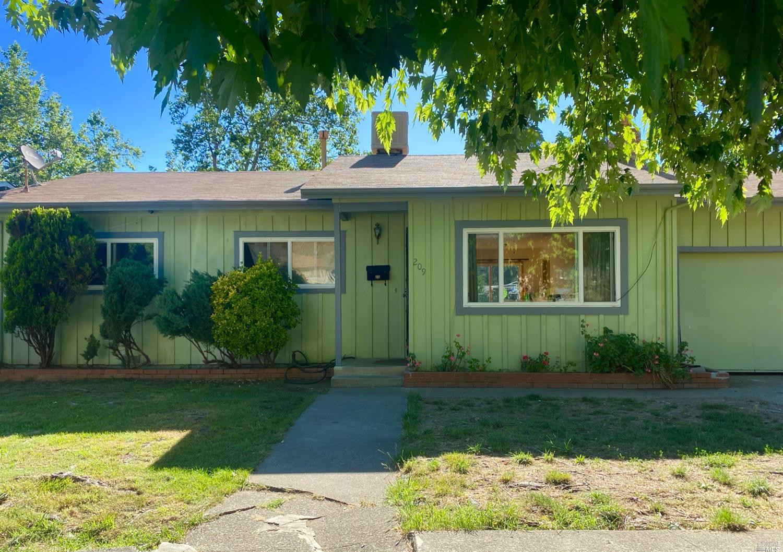 209 Rosemary Lane, Ukiah, CA 95482