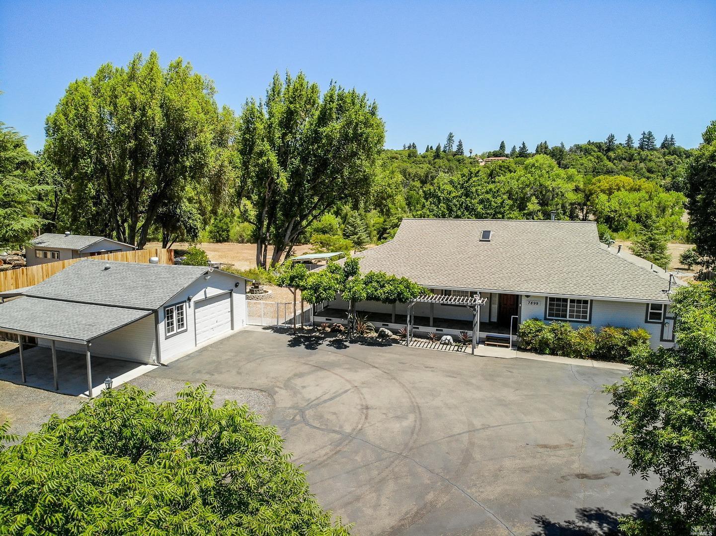 7899 Uva Drive, Redwood Valley, CA 95470