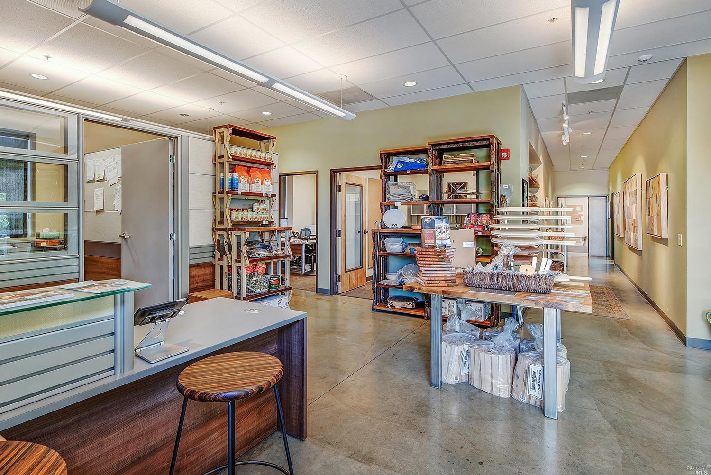 Listing 22018230 : 1530  Grove Street, Healdsburg, CA, 95448  (photo 4)