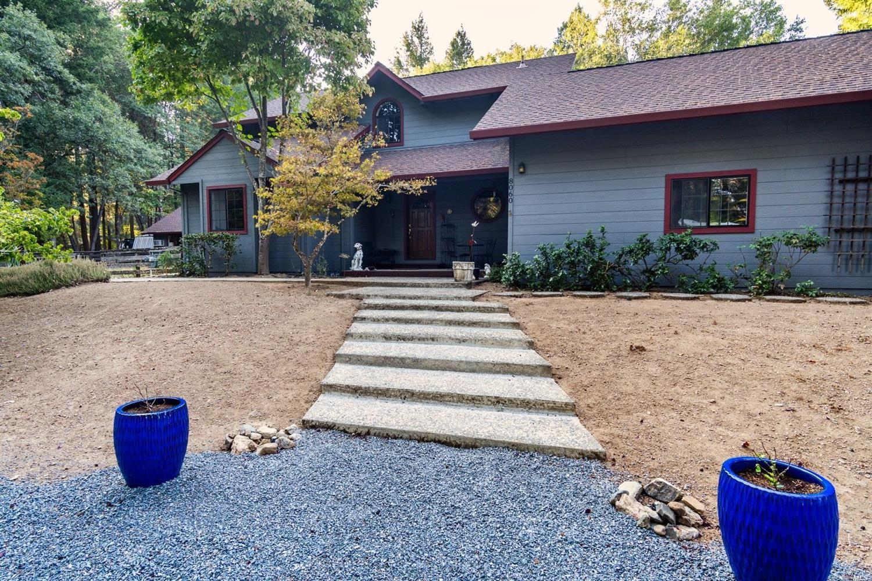 8060 Uva Drive, Redwood Valley, CA 95470