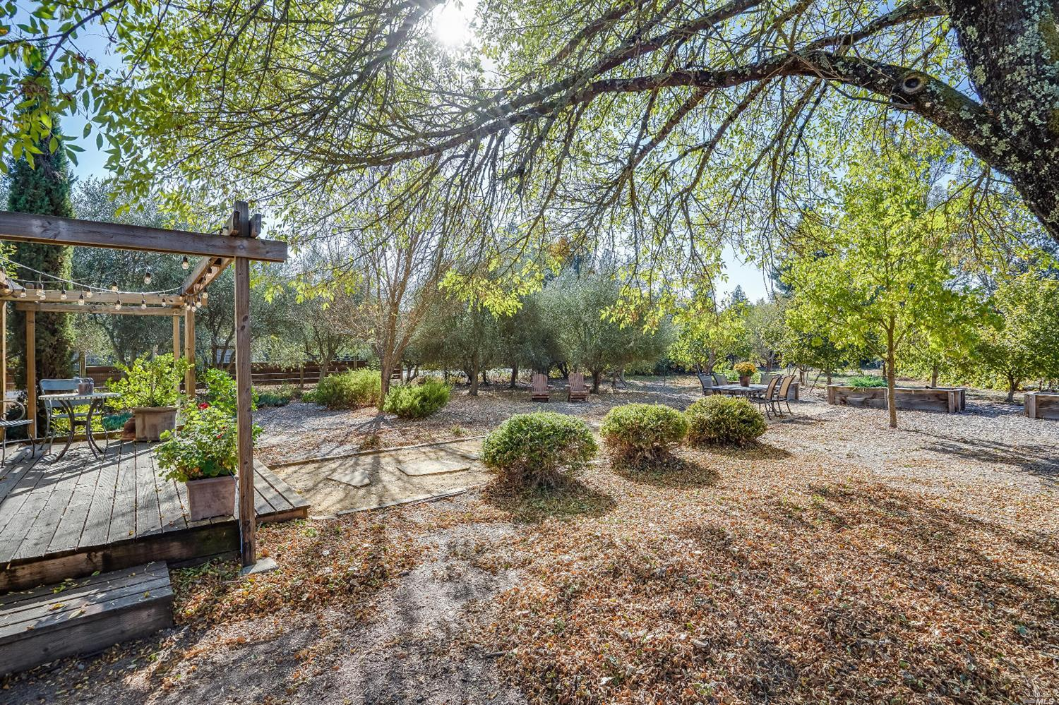 Listing 22022555 : 10377  Hillview Road, Windsor, CA, 95492  (photo 39)