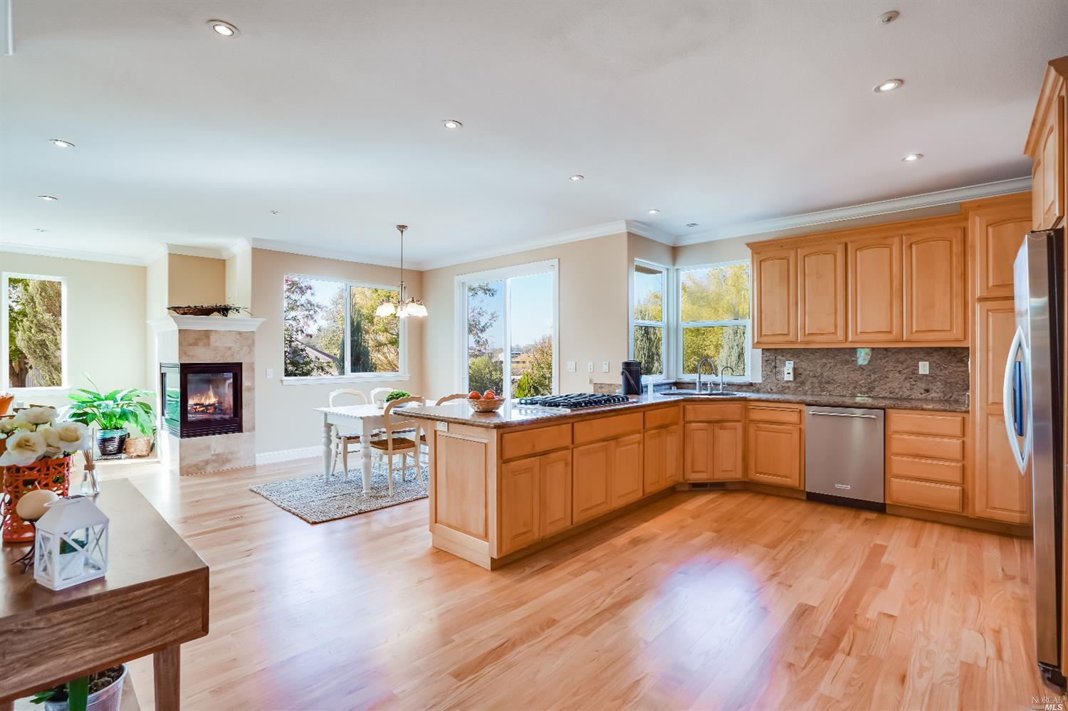 Listing 22022555 : 10377  Hillview Road, Windsor, CA, 95492  (photo 17)