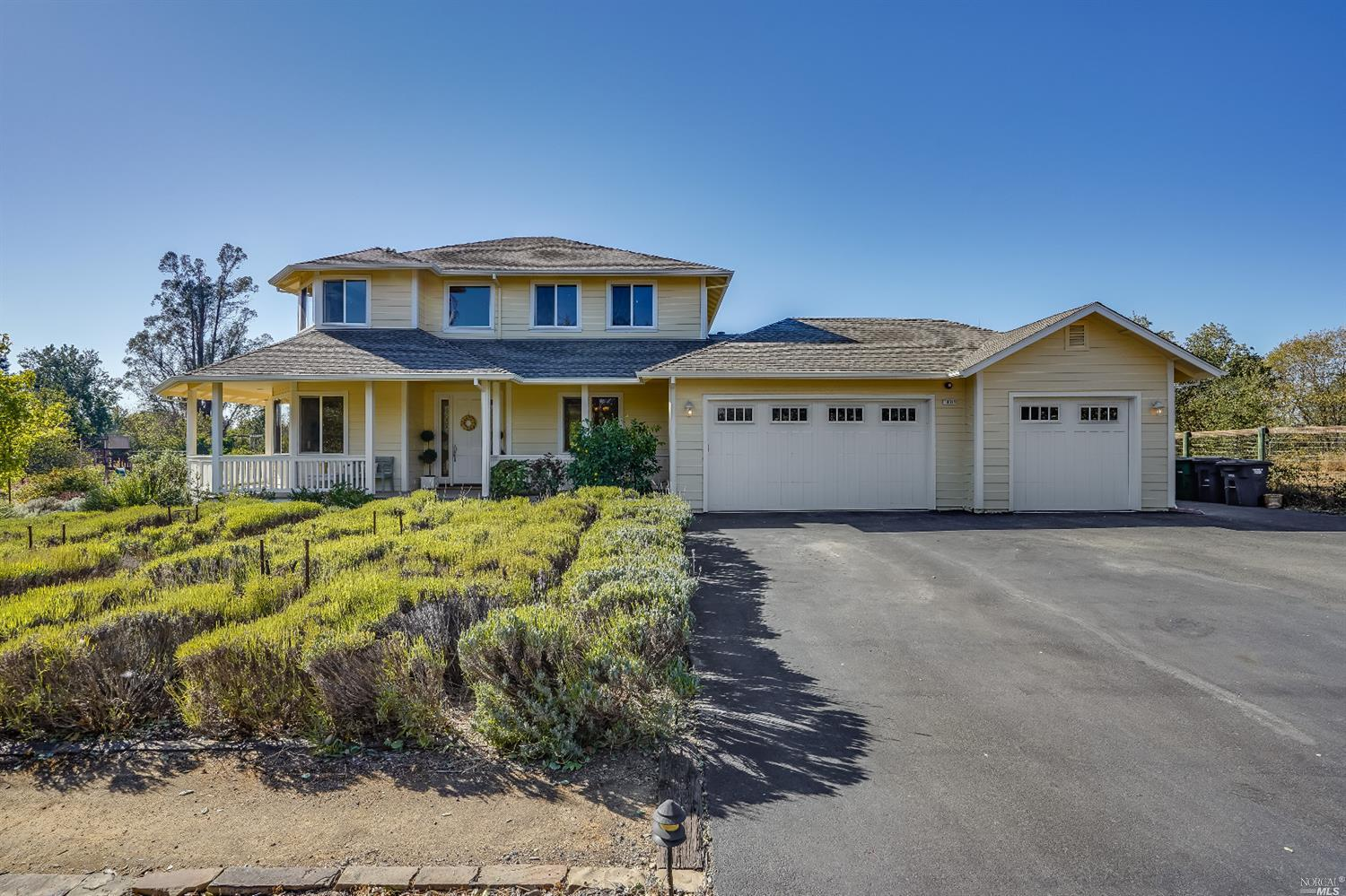 Listing 22022555 : 10377  Hillview Road, Windsor, CA, 95492  (photo 2)