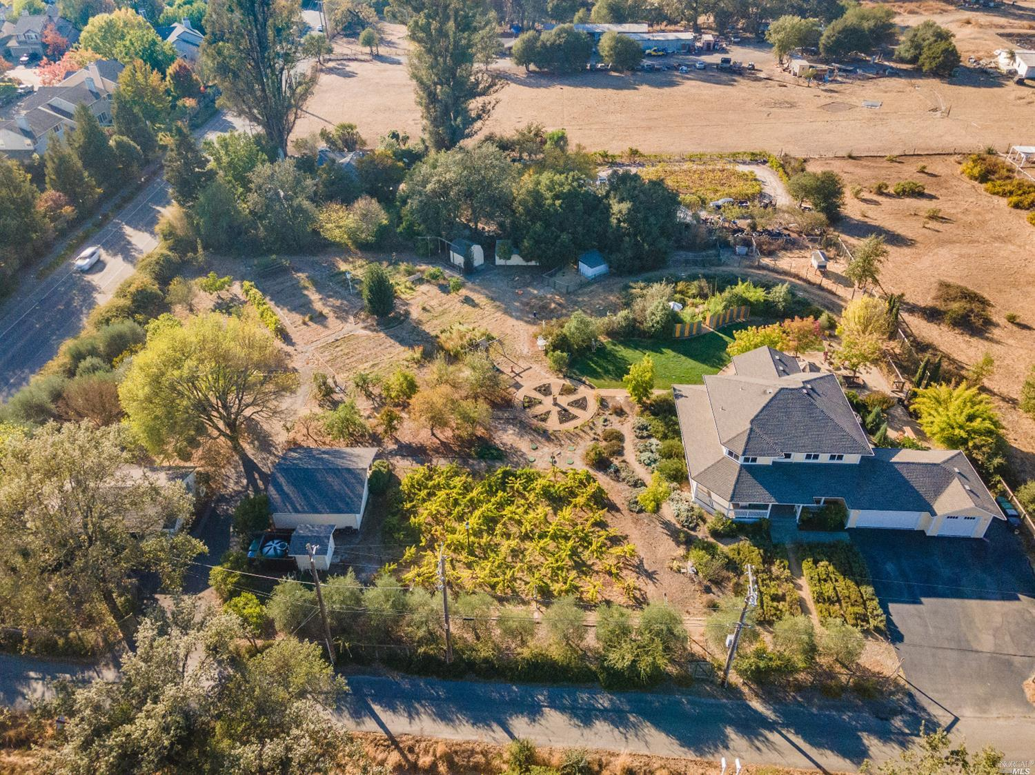 Listing 22022555 : 10377  Hillview Road, Windsor, CA, 95492  (photo 50)