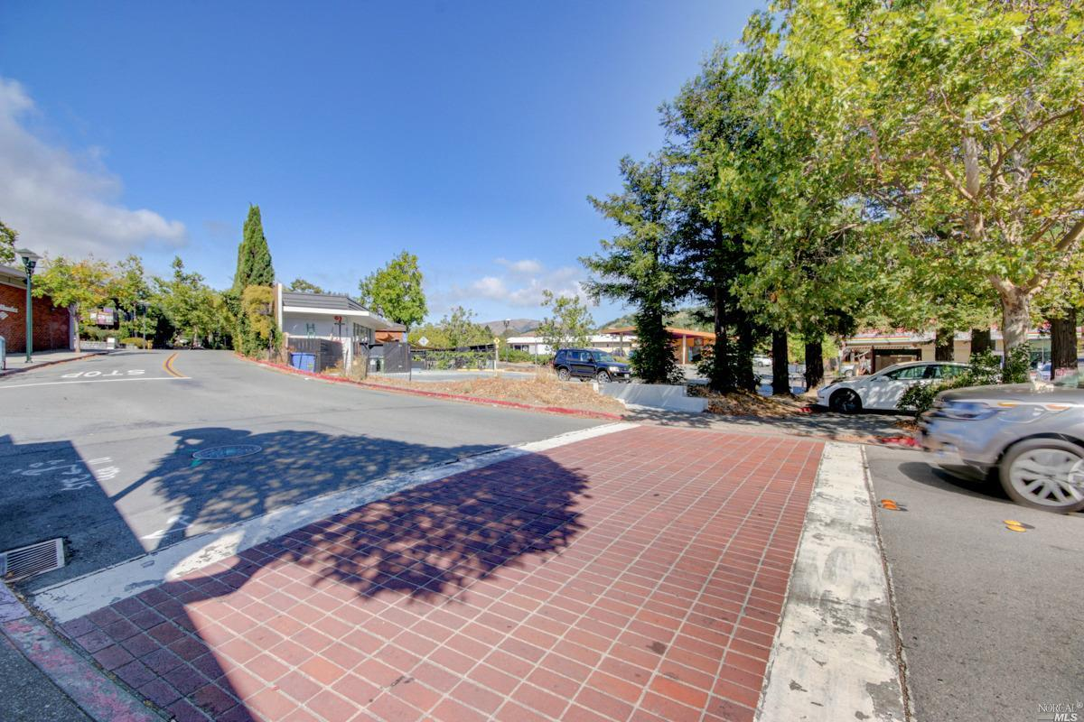 Listing 22029619 : 77  Broadway Boulevard, Fairfax, CA, 94930  (photo 19)