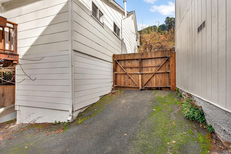 Listing 22028357 : 729  Sir Francis Drake Boulevard, San Anselmo, CA, 94960  (photo 22)