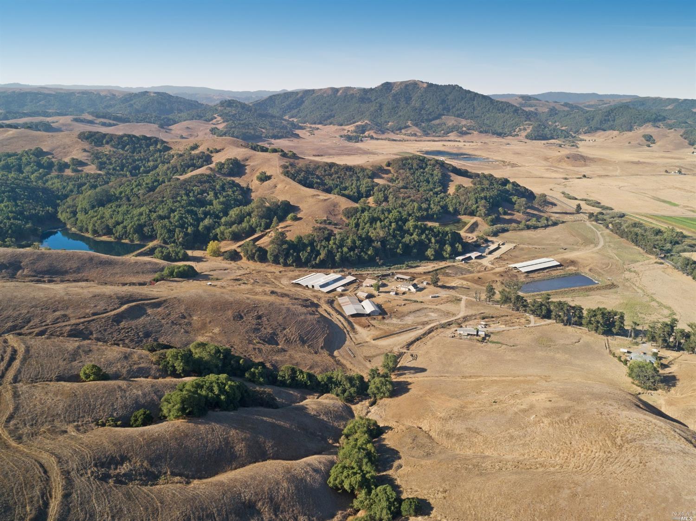 Listing 22030224 : 6701  Red Hill Road, Petaluma, CA, 94952  (photo 2)