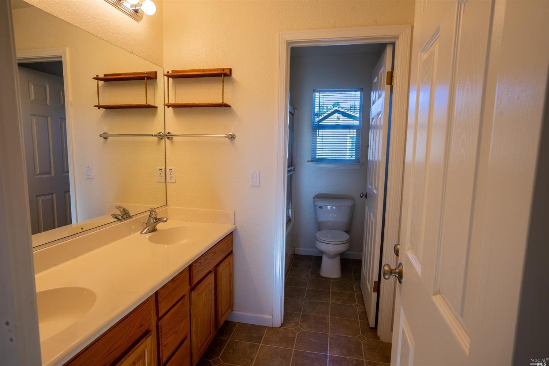 Listing 22030228 : 130  St John Place, Cloverdale, CA, 95425  (photo 33)