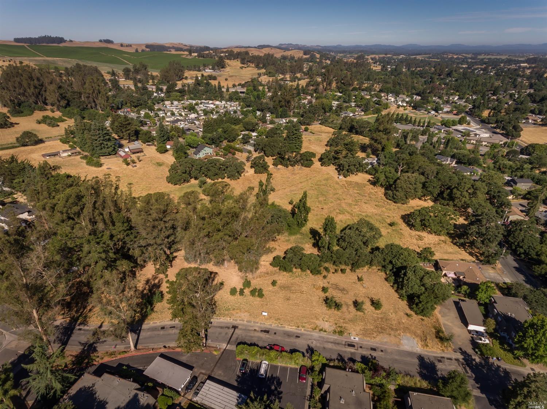 Listing 22031385 : 8772  Lund Hill Lane, Cotati, CA, 94931  (photo 12)