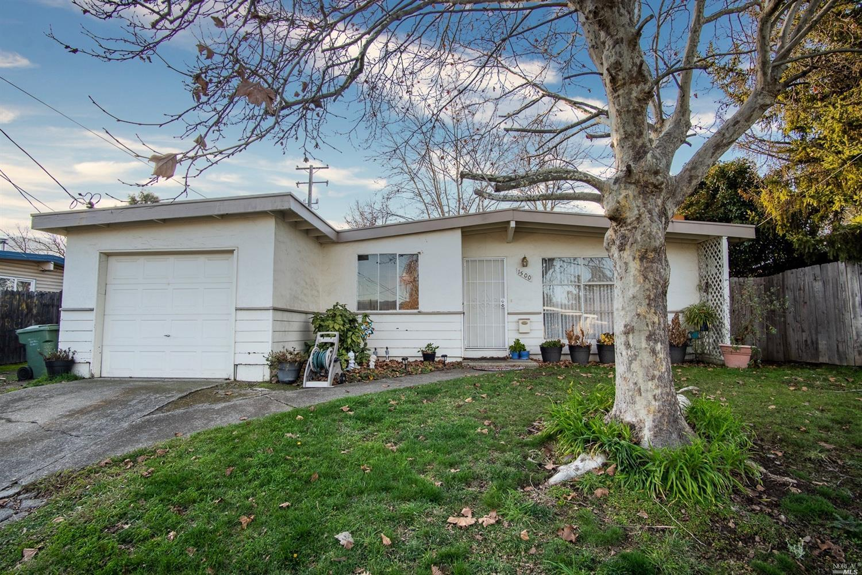 1500 Lockwood Drive, Ukiah, CA 95482