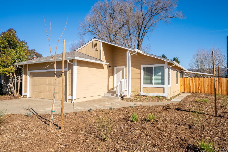 1201 N Bush Street, Ukiah, CA 95482