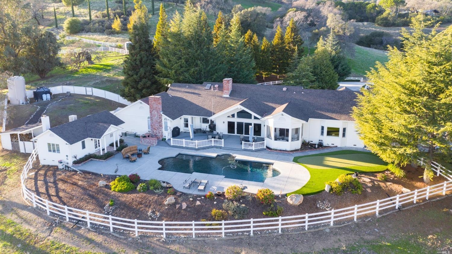 Photo of 2060 Twin Sisters Road, Fairfield, CA 94534