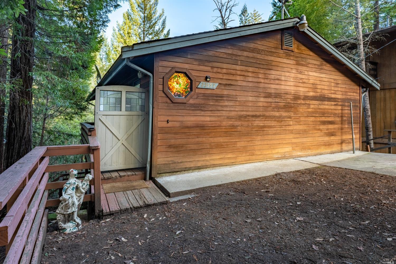 25555 Poppy Drive, Willits, CA 95490