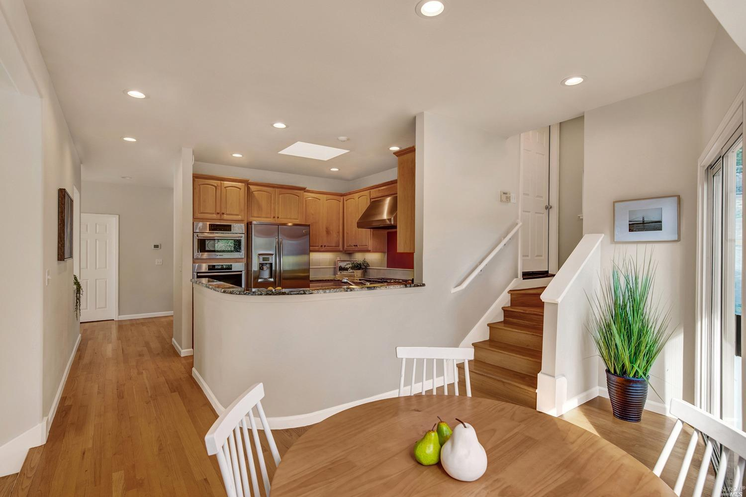 Listing 22034163 : 927  Ventura Way, Mill Valley, CA, 94941  (photo 7)